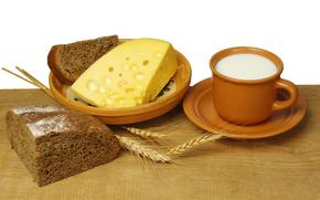 стол, чёрный хлеб, сыр, ломоть, тарелка, блюдце, чашка, молоко, аппетитно