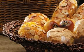 корзина, стол, хлеб, булочки, орехи, сдоба