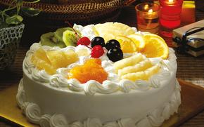 стол, корзина, десерт, торт, крем, фрукты, вишня, черешня, киви, апельсин, ананас, коробка, свечи, горшок, растения