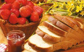 хлеб, ягоды, клубника, джем, цветы, натюрморт