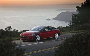 Тесла, Модель С, электромобиль, красный, седан, передок, дорога, побереьже, небо, Другие марки