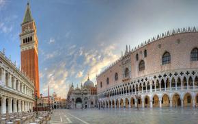 Place Saint-Marc, Venise, Italie, Palais des Doges, Campanile, clocher, caf, panorama
