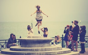 situation, Mood, cheerfully, joy, girl, jump, fountain, people, Cameras, pictures, photo, river, sea, water, background, wallpaper