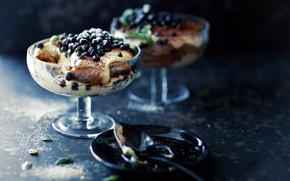 PIALKI, glass, ice cream, dessert, spoon, macro