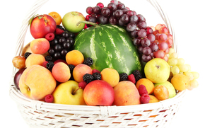 Berries, fruit, basket, watermelon, apples, peaches, nectarine, plums, apricots, raspberry, grapes, blackberry