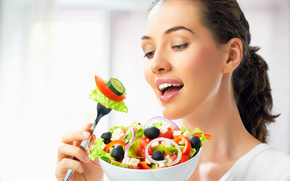 girl, brunette, plate, fork, salad, vegetables, charm, cucumbers, olives, onion, cheese, tomatoes