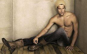 модель, парень, реклама, шапочка, джинсы, обувь