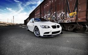 BMW, Color blanco, tren, grafiti, lnea de transmisin, Pilares, BMW