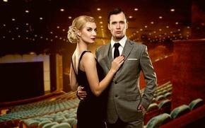 кинотеатр, девушка, блондинка, взгляд, платье, макияж, парень, костюм, экран, кресла