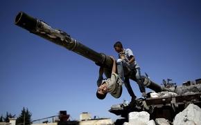 Сирия, дети, танк, пушка, обломки, небо