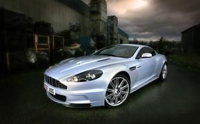 dBc, argento, vista frontale, edificio, cielo, nuvole, alberi, Aston Martin