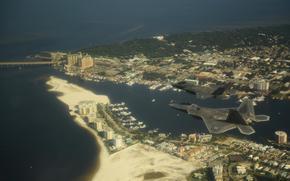 Истребителей-бомбардировщик, ВВС США, Город