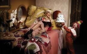 singer, Britney Spears, girl, cake, clown, bed, music