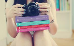 Humor, nia, pies, Libros, cmara, barniz, las uas, anillo, pulsera, decoracin, accesorio, manos, fondo, Papel pintado
