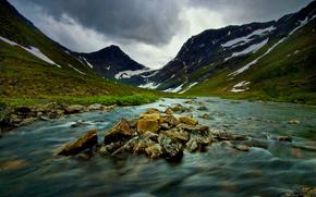 Montagne, natura, fiume