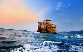 море, скала, небо