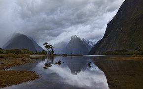 Nueva Zelanda, Isla Sur, Milford Sound, Piopiotahi, fiordo, Montaas, maana, cielo, las nubes