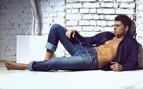 Jacob Mishchenko, Eugene Agafonov, jeans, shirt, torso, wall