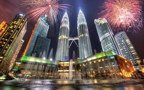 Башни Петронас, Куала-Лумпур, Малайзия, небоскребы, фейерверк, ночь, фонтан