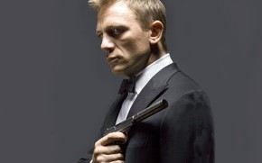 Дэниэл Крейг, актер, смокинг, пистолет, глушитель