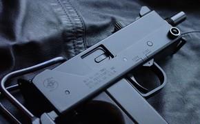 submachine gun, USA, leather jacket