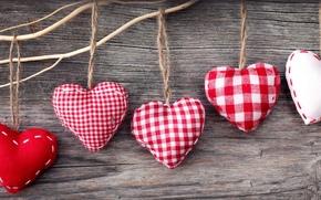 сердца, сердечки, тканевые, фигурки, красные, белые, нитки, веревки, доски