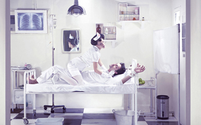 house, bed, patient, nurse, mirror, syringe, bucket, photo, shelves, drugs