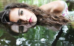 девушка, вода, макияж, отражение, волосы