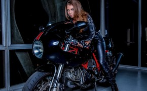 модель, мотоцикл, куртка, перчатки
