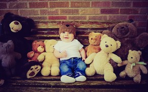 ребенок, мальчик, медведи, игрушки