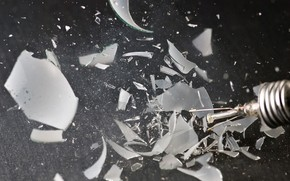 bombilla, escombros, vidrio