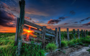 sunset, grass, rays, sun, sky, clouds, color, path, nature, закат, трава, лучи, солнце, небо, облака, цвет, пути, природа