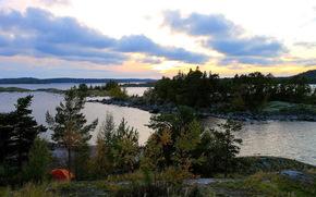 Karelia, autunno, foresta, lago, isola, sera