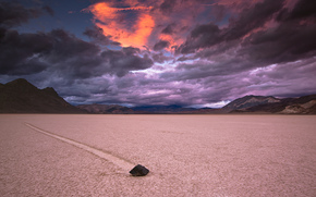 USA, California, Death Valley, National park, alkali soils, stone, trace, Mountains, evening, sky, clouds, storm