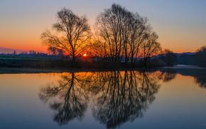 Royaume-Uni, Angleterre, soire, prairie, arbres, soleil, coucher du soleil, ciel, rivire, eau, surface lisse, rflexion