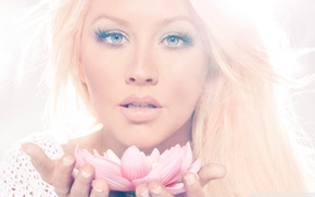 Christina Aguilera, lotos,