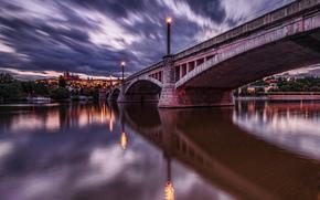 Praga, alba, semaforo, fiume, ponte, cielo, nuvole