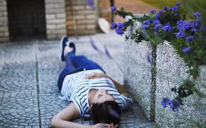 brunette, Mood, florets. nature, wallpaper, is, background, Flowers, girl, asphalt