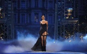 Rihanna, glasses, singer, speech, celebrity