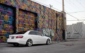 Mercedes, Sintonia, bianco, graffiti