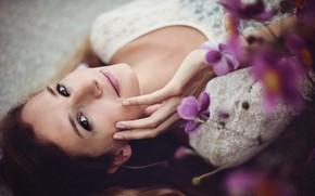 nastreoniya, wallpaper, girl, background, brunette, flowers, face, view, smile, Flowers