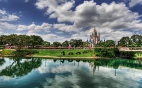 lago, Disneyland, nuvole