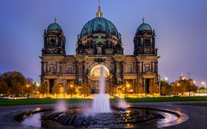 fountain, evening, Berlin Cathedral, Berlin, Germany