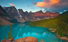 sunrise on moraine lake - banff, alberta, canada