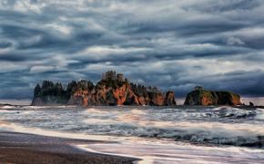 Sunset on Rialto Rocks, La Push, Washington, USA