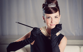 diadem, mouthpiece, girl, in black, retro, hairstyle