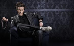 homosexual, exactamente, sí, tipo, jeans, silla, abrigo, y ofrece a convertirse en gay