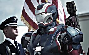 Ferro Patriot, tuta, bandiera