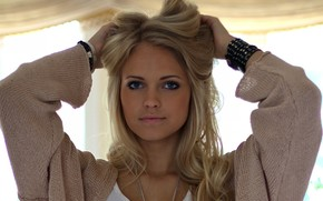 Emilie Marie Nereng, white beauty, blond