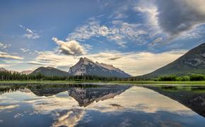 Vermilion Lagos Road Side, Antracita, Parque Nacional Banff, Alberta, Canadá